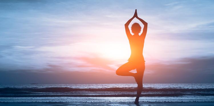Las 10 posturas de yoga fáciles más importantes